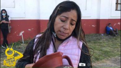 Photo of Artesana Michoacana Triste Por No Vender Piezas En Noche de Muertos