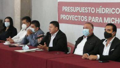 Photo of Presidentes Municipales Trazan Ruta De Trabajo Para El 2021 Con Feliciano Flores