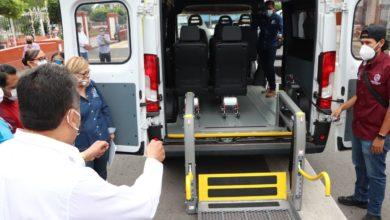 Photo of Pa Facilitar Tansporte De Discapacitados Presi De Pátzcuaro Otorga Camioneta A DIF