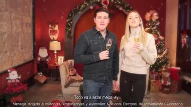 Photo of Samuel García Y Su Esposa Lanzan Spot De Campaña Navideño; Le Llueven Memes