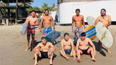 Photo of Surfistas Rescatan A 5 Bañistas En Playas Michoacanas