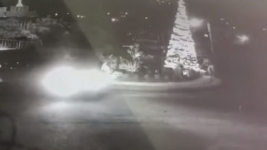 Photo of El Grinch Llegó A Michoacán: Incendian Árbol De Navidad En Tacámbaro
