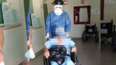 Photo of #Michoacán Entre Aplausos, Médicos Despiden A Abuelito Que Ganó La Batalla Vs COVID-19