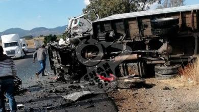 Photo of #Michoacán Dos Hombres Quedan Atrapados Al Chocar Sus Vehículos