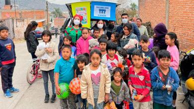Photo of Normalistas Consiguieron Mil Sonrisas Llevando Juguetes A Niños Michoacanos