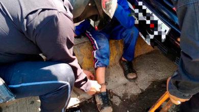 Photo of Policía Michoacán Atiende A Niño Encadenado De Un Pie En Calles De Taretan