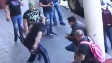 Photo of ¡Pónganse Cubrebocas! En Uruapan Luchadores 'Pelean' Con Inconscientes En Las Calles