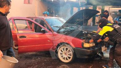 Photo of #WTF A Cubetadas De AGUA Polis Y Grupo Tigres Logran Apagar Auto En Llamas