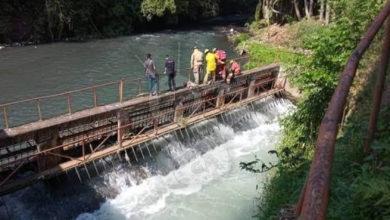 Photo of #Uruapan Hallan Cadáver Putrefacto Sobre Puerta De Represa En Río Cupatitzio