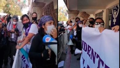 Photo of Feministas Se Manifiestan Contra Félix Salgado Durante Visita de AMLO A Guerrero