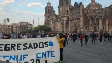 Photo of CNTE Michoacán Se Planta Frente A Palacio Nacional, Exigen Plazas Para Normalistas