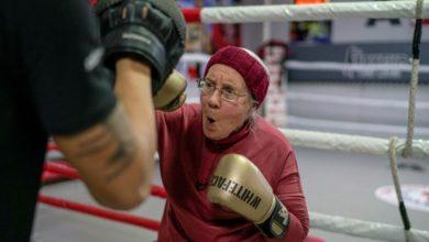 Photo of Abuelita Practica Boxeo Para Luchar Contra El Parkinson