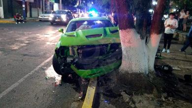 Photo of #Morelia Chocan Auto Deportivo En El Bule Y Lo Dejan Abandonado
