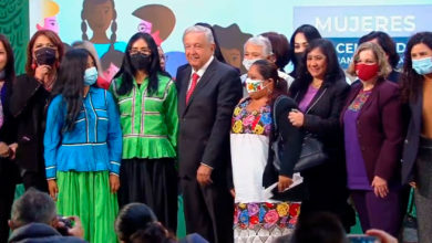"""Photo of """"¿Si Fuera Machista Podría Hacer Esto?"""": AMLO Se Toma Foto Con Mujeres De Su Gabinete En El Día De La Mujer."""