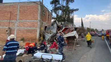 Photo of Tráiler Embiste Camión De Jornaleros En La Morelia-Pátzcuaro; Hay Varios Muertos