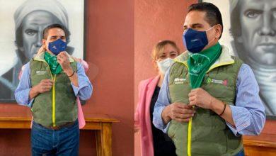 Photo of Silvano Se Pone Pañuelo Verde En Pro De Legalizar Aborto En Michoacán